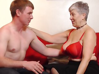 Fortuitous granny Savana gets her cunt pounded by a handsome beggar