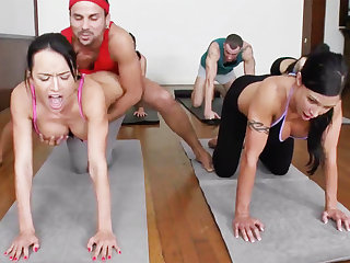 Yoga professor together with 4 sizzling college girls with meaty cupcakes
