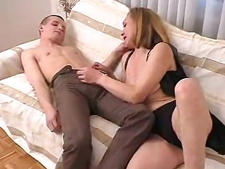 Horny guy gets lucky anent a load of shit craving obscurity cougar