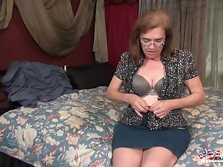 Sets for hot mature pictures fro slideshow compilation video