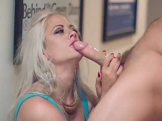 Brutal coupulation with pizzazz babe