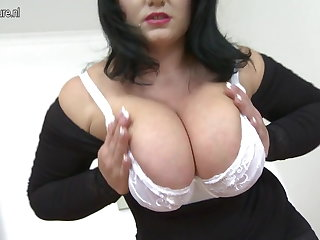 Hot MOM approximately big tits together with hungry vagina