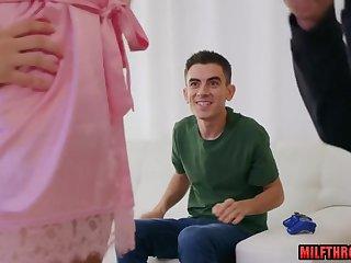 Jordi El Nino Polla Fucks His Busty Stepmom