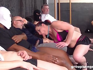 Sporty mature babe sprayed with cum after a hardcore missionary fuck