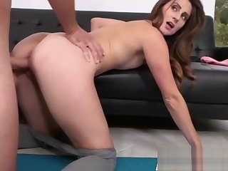 Stretching MILF Jane Madison Gets Drilled