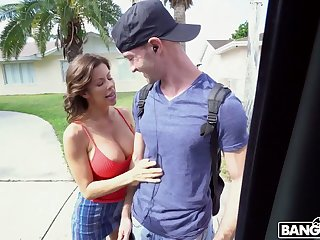 Big breasted MILF Alexis Fawx gonna shrink from fucked doggy pertinent in the van