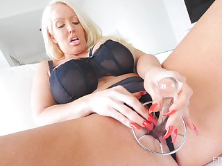 Solo hottie Alura pleases their way tight pussy with lovemaking toys