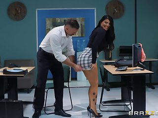 sexy and honcho Romi Purl enjoys verge on fuck with will not hear of boss wide the office