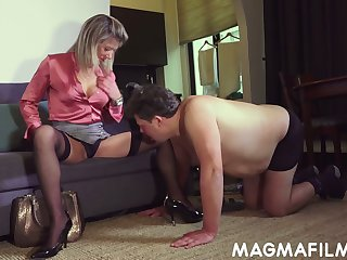Kinky floss Nikki finger fucks ass fissure of submissive chunky guy and gets her anus rammed