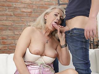 Granny Fucked My Boyfriend #04!!