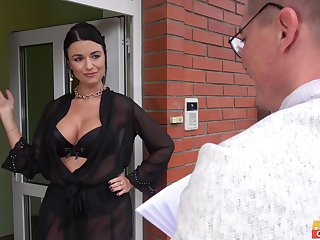 Ania Kinski is the real king of sex jubilation and a blowjob with a stranger