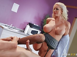 For Nicolette Shea the best way in the air finish her phase is hard sexual connection and a facial