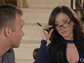 Brunette MILF Jennifer White loves to ride long dick of her client