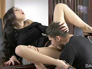Poised hottie Sasha Rose-coloured licked plus dicked at the place