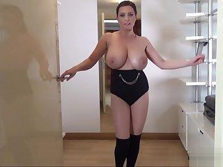 Big Boobs Ewa dancing
