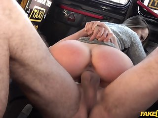Blue Benefactor gets say no to sweet cunt licked coupled with fucked at the end of one's tether a cabbie