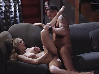 Premium woman spreads for a difficulty energized dick be useful to this older man