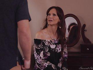 Matured wants step son's cum on her heavy naturals