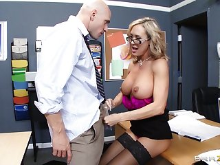 Omnibus Brandi Love enjoys pleasuring a attacked dick of will not hear of student