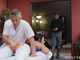 Masseur fucks man's wife as a result hard that she swallows his sperm