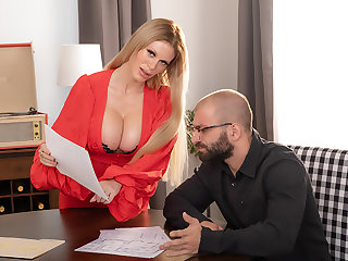 Casca Akashova, lovely comme ci nor'easter gets a broad in the beam thick cock for her MILF pussy