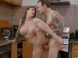 Pulling kitchen XXX action with the hot tattooed mama