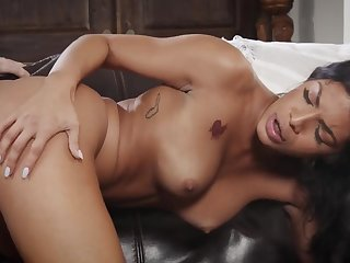 Negroid MILF Monica Mattos gets dicked in amateur interracial hardcore - black tits, black ass